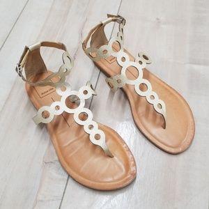Dolce Vita circle cutout sandals size 6.5